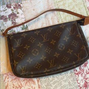 Authentic Louis Vuitton pochette